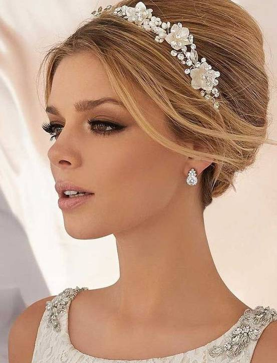 Wedding Makeup Trends for Brides in 2019 https://weddingery.com