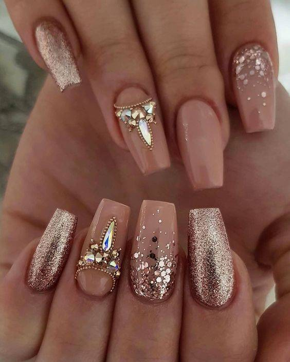 Top 20 Stunning Wedding Nail Ideas https://weddingery.com
