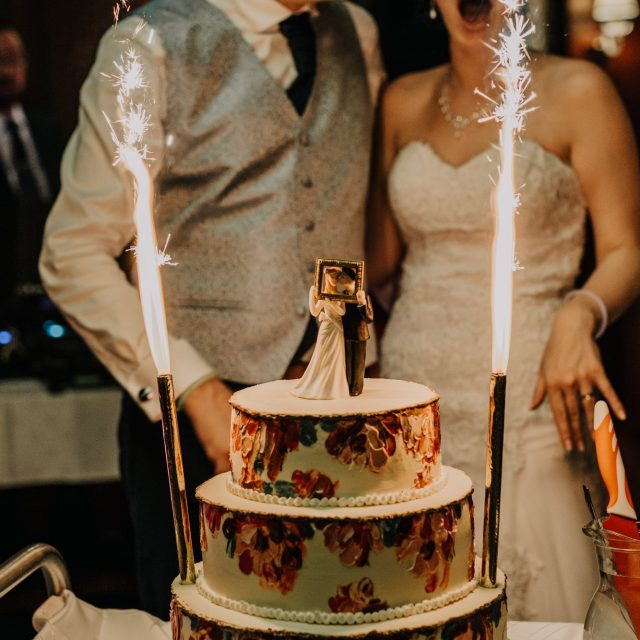 Top 10 Cake Cutting Songs https://weddingery.com