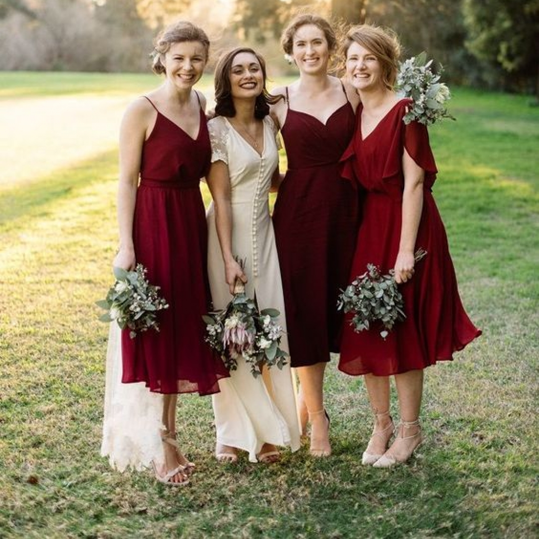 Gorgeous burgundy wedding colors https://weddingery.com