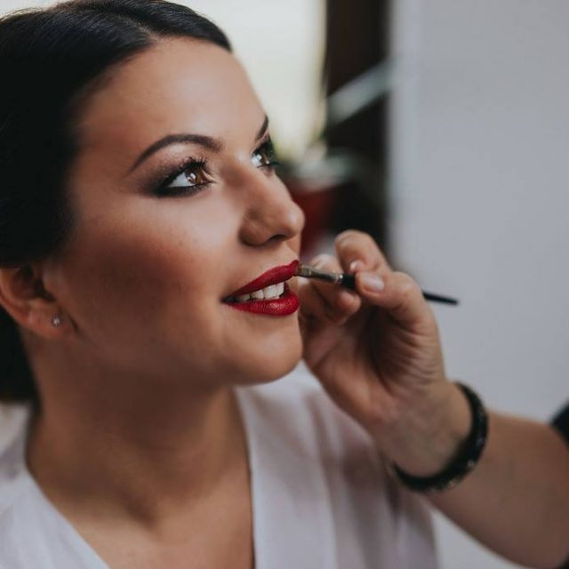 Classic Wedding Makeup Tutorial https://weddingery.com